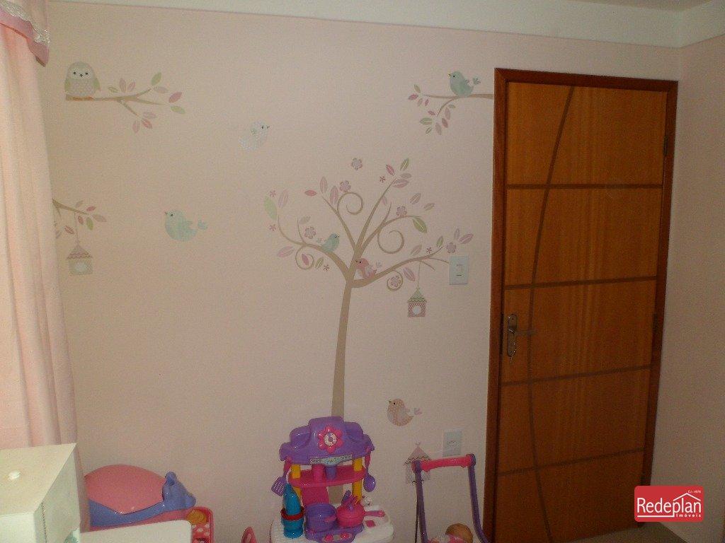 Quarto 2 (Detalhes na decoração)